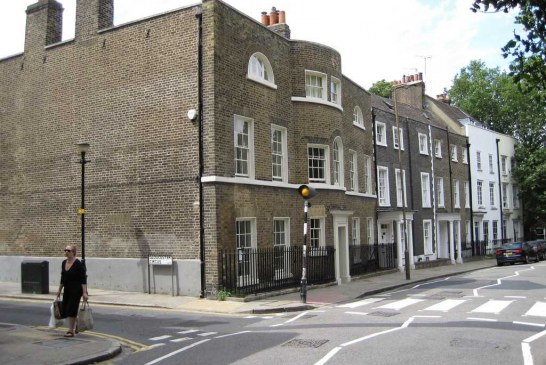 بسبب نقص المعروض السكني .. الملاك البريطانيون يبدون ارتياحهم لارتفاع أسعار المنازل