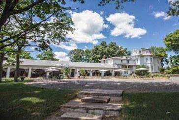 تم خفض قيمته 50%.. عرض أقدم منزل في الولايات المتحدة الأمريكية  بقيمة نصف مليون دولار